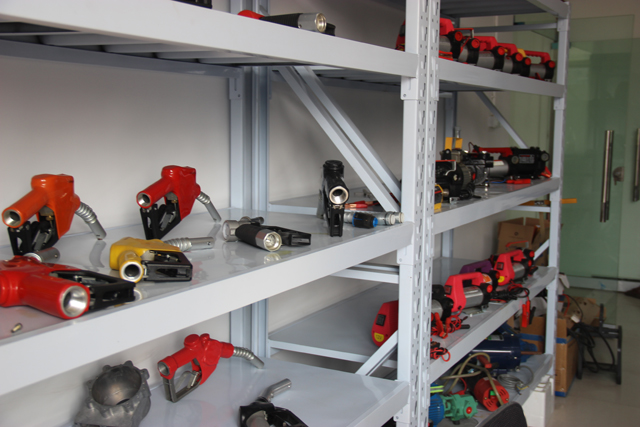 Sample Room for Nozzle, Meter, Pumps, Assembly